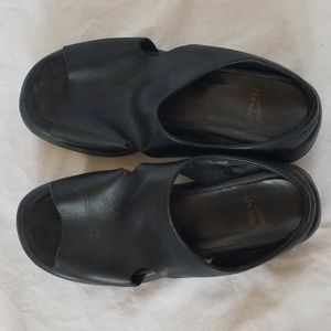 Dansko slip on black sandals size 39/9